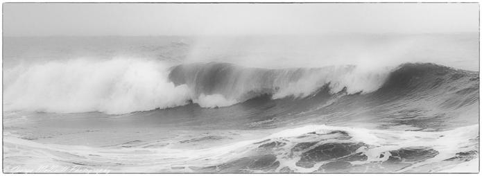 wave 21.10.17 b.w.JPG